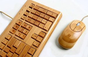 mouse y teclado de bambu